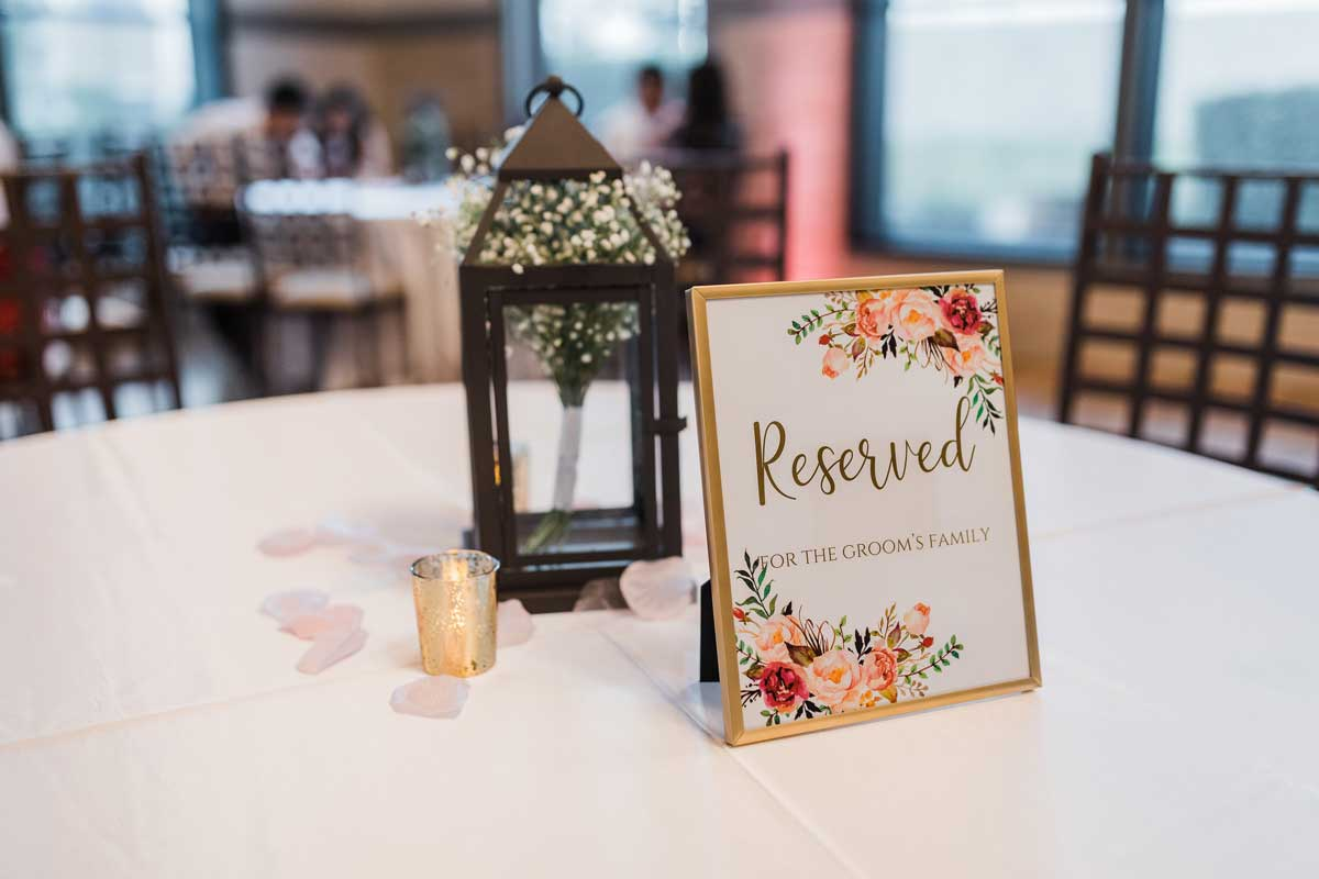photo of a table design for wedding party